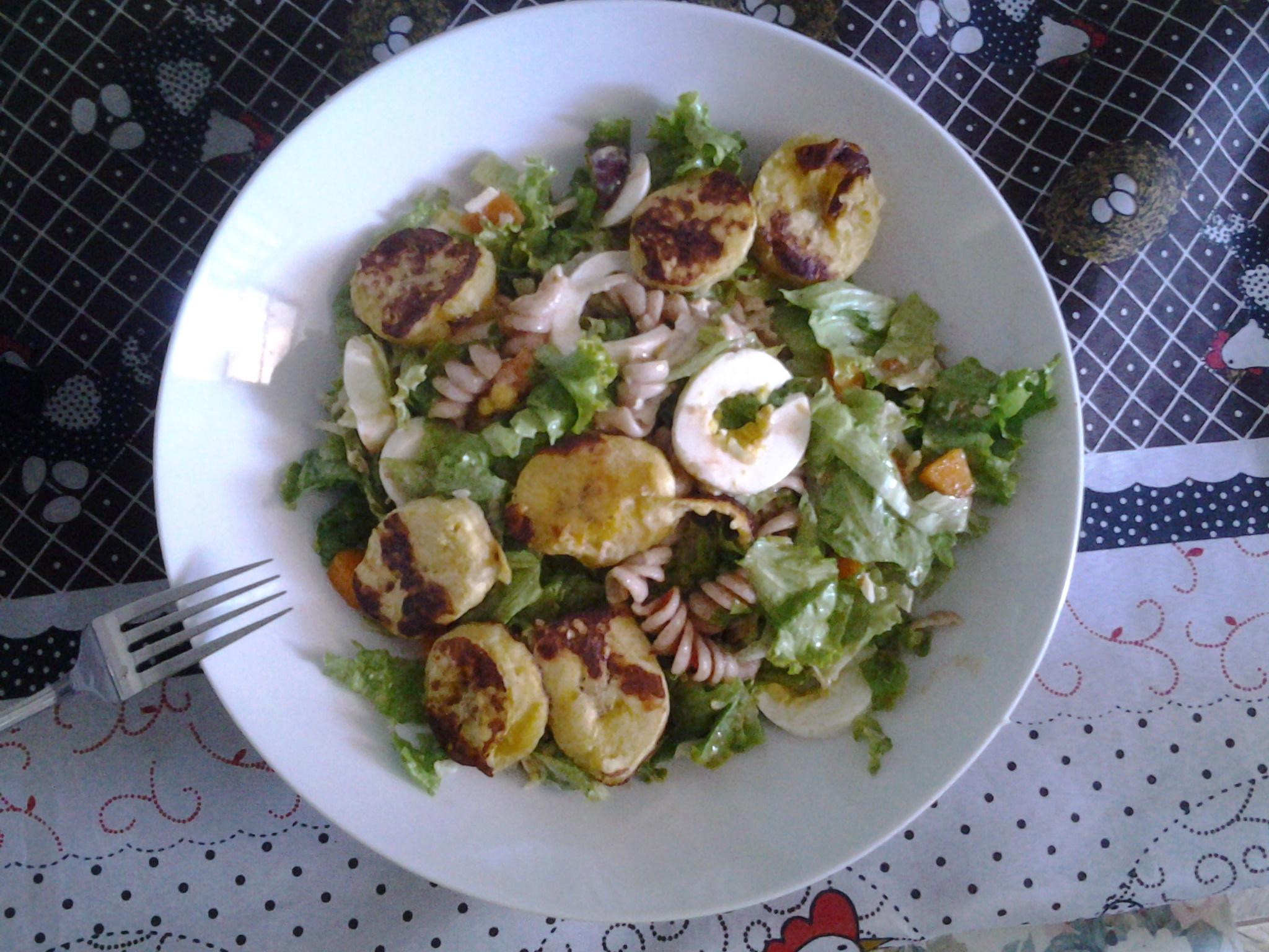 Salada fria de macarrão